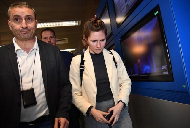 Amanda Knox arrives in Milan