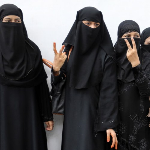 Photo Story: India criminalizes Muslim instant divorce
