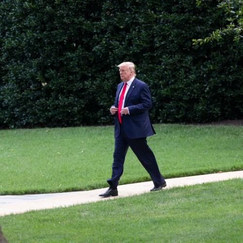 Bid to impeach Trump fails