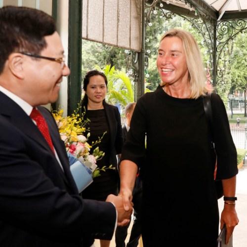 Photo Story: Mogherini visits Vietnam