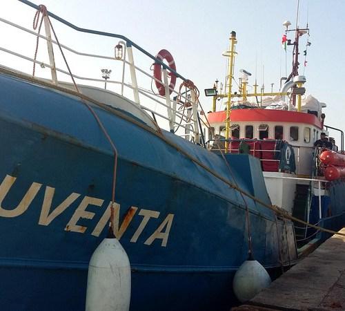 German captain of migrant rescue vessel refuses honour from Paris