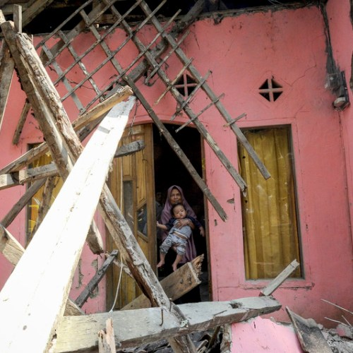Photo Story: The Earthquake in Indonesia
