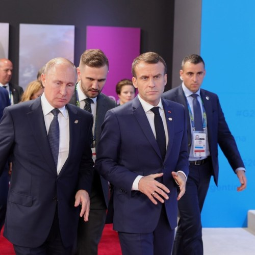 Ukraine high on agenda as Macron meets Putin