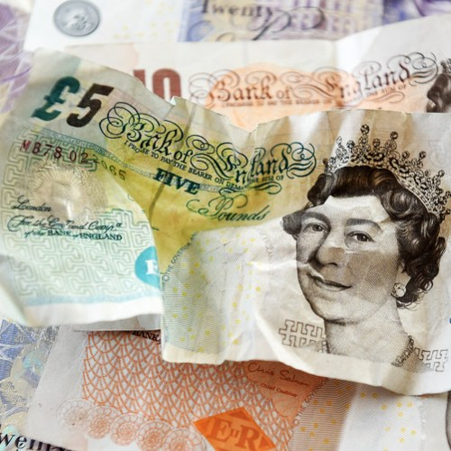 Pound falls on report Britain's Queen could be asked to suspend parliament