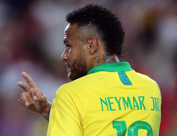 Brazilian soccer star Neymar to throw NYE party for 150 people