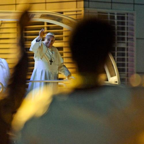 Pope Francis welcomed in Mozambique