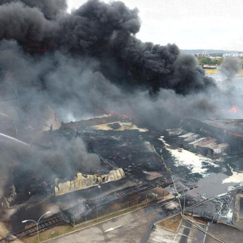 Expert fears carcinogenic molecules created in Rouen factory blaze