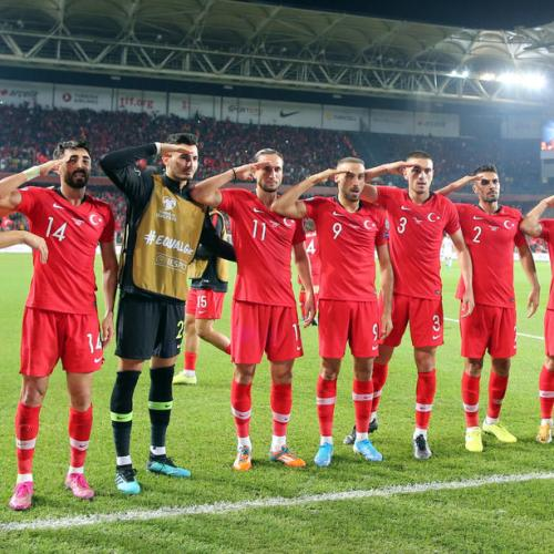 UEFA to investigate Turkey's players military salut