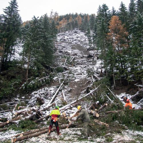 Bad weather causes mudslides in Austria