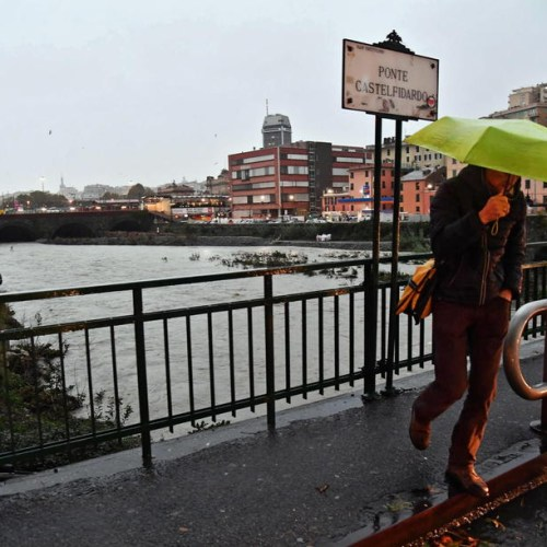 Genoa battered by violent storm, 7 meter waves recorded along Liguria coast