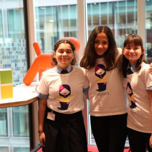 Microsoft cooperated with three British schoolgirls to create a tool to tackle bullying and loneliness