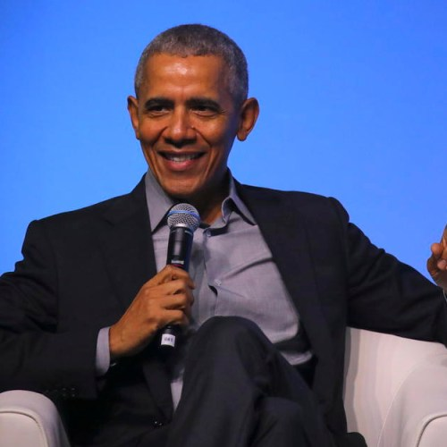 Barack Obama states he believes women make better leaders than men, speaks about leaders stepping aside