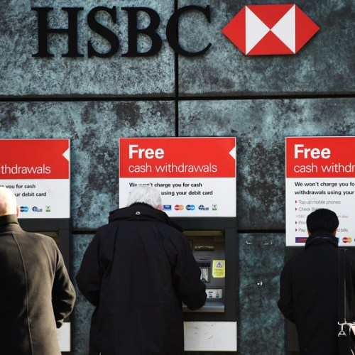 HSBC to bring in single overdraft rate of 40% for UK customers