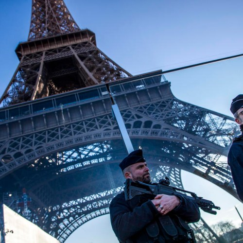 Photo Story: New Year holiday security preparations in Paris