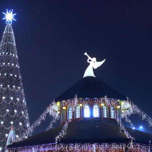 Photo Story: Christmas preparations in Bucharest, Romania