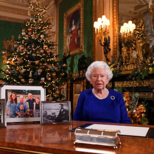 Queen Elizabeth expresses her admiration to young generation's activism