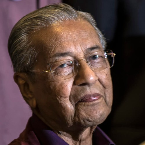 Malaysia's Mahathir submits resignation