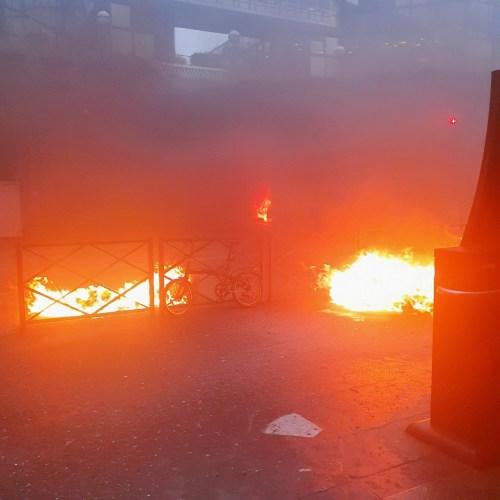 Fires near Gare de Lyon train station in Paris