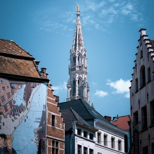 New pickpocketing scam hitting tourists in Bruges