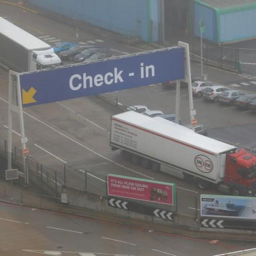Boris Johnson plans to impose full customs and border checks on European goods