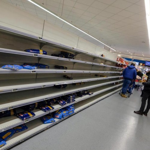 Romanians start to empty supermarket shelves amid coronavirus fears