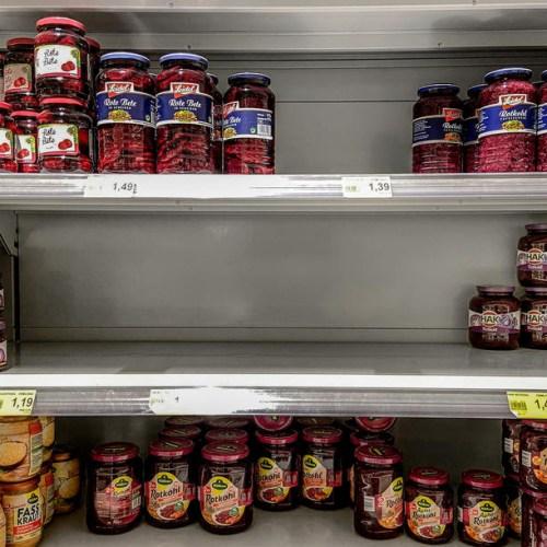 UK retail calls for urgent talks with govt, EU over N.Ireland food checks