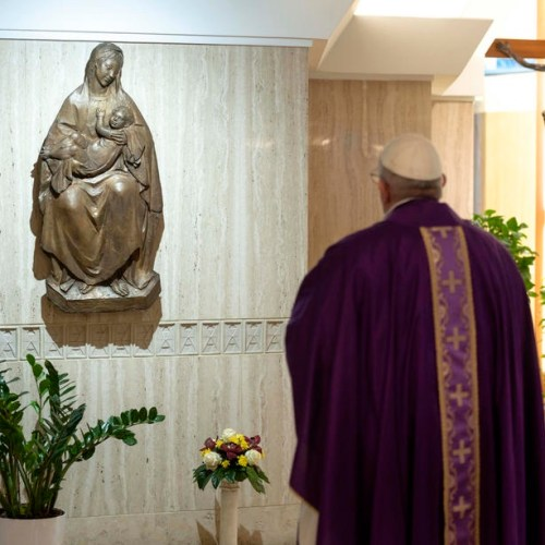 Covid-19: Pope offers prayer to Virgin Mary for protection
