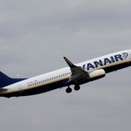 Ryanair to cut staff and executives pay by 50%