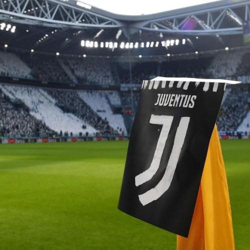 Juventus players to forgo €90 million to help club through coronavirus crisis