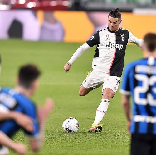 Juventus beats Inter in Serie A match played behind closed doors