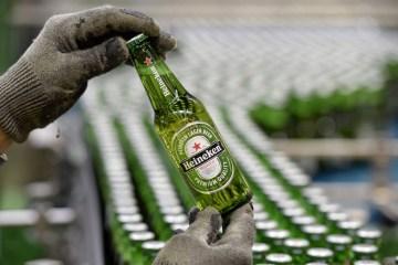 Heineken exceeds expectations with flat beer sales
