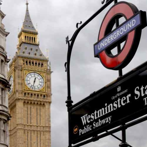 737 people die in UK with coronavirus on Easter Sunday