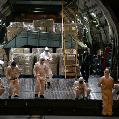 Photo Story: Solidarity in the EU… Medical supplies from Greece, arrive in Porto