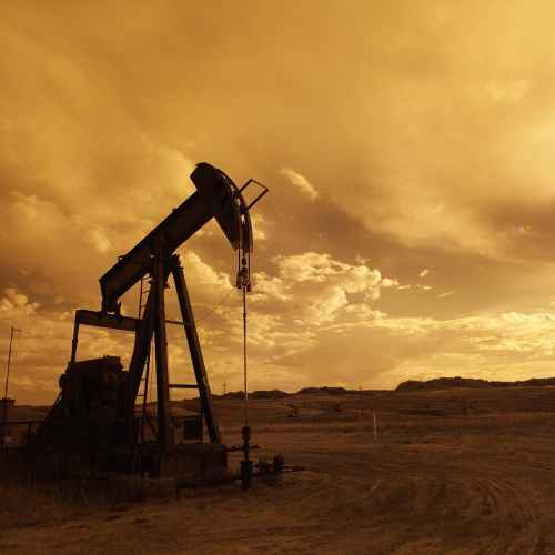 Oil prices inch higher but outlook remains bleak