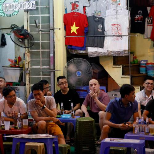 Vietnam to readmit foreigners