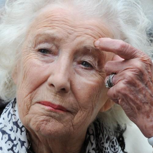 WWII British singer Dame Vera Lynn dies aged 103