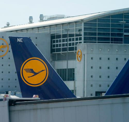 Lufthansa vows company revamp as losses balloon
