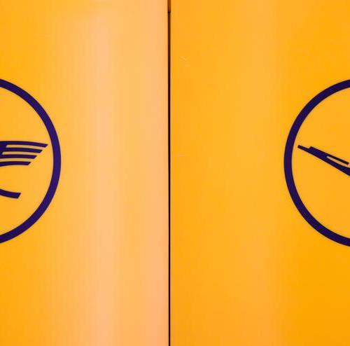 Lufthansa posts a net loss of 2.1 billion euros