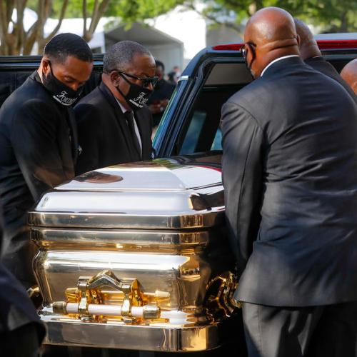 Thousands flock to pay final respects to George Floyd