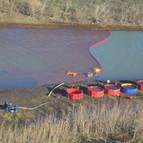 Arctic oil spill in Russia pollutes big lake near Norilsk