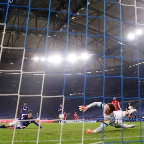 Bayer Leverkusen snatch 1-1 draw against Schalke 04
