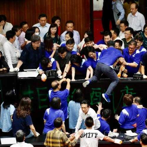 Photo Story: Lawmakers scuffle in Taipei parliament