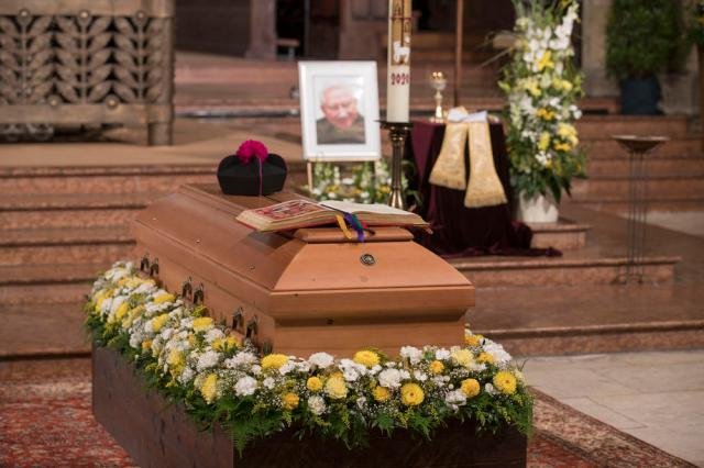 Burial of Georg Ratzinger