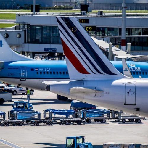 EU approves KLM's bailout by Dutch government