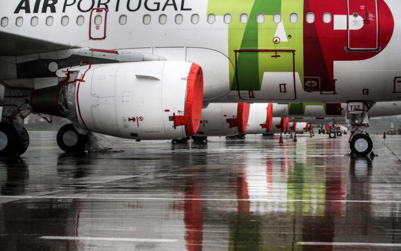 Portugal extends COVID-19 air travel curbs until mid-May