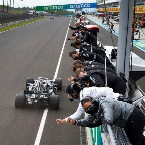 Hamilton wins Hungarian Grand Prix