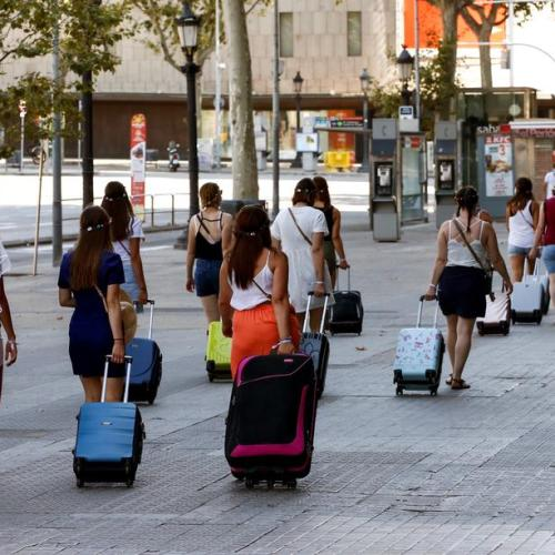 Spain opens up to tourists from outside the EU