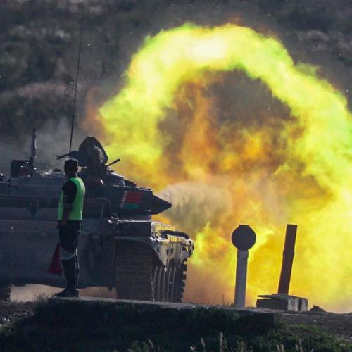 Poland, Latvia worry over Russia's war games on tense EU-Belarus border