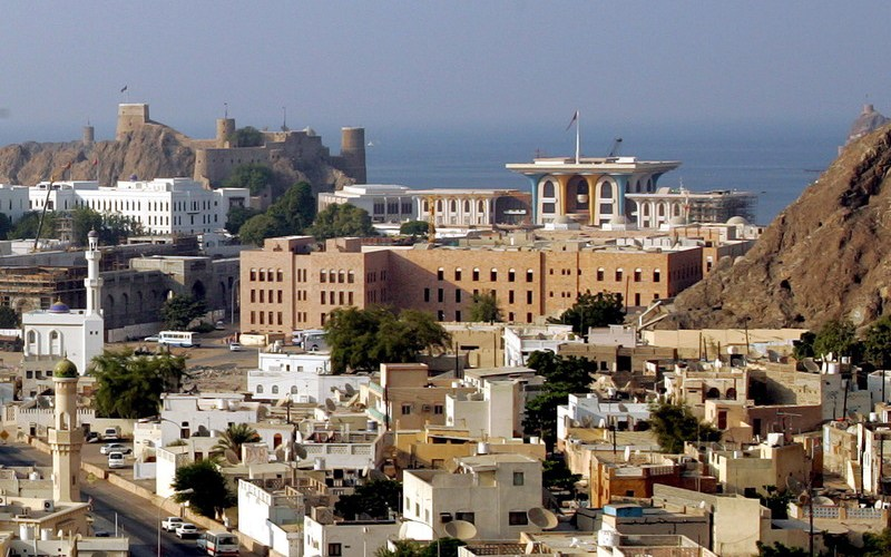Oman opens tourist restaurants and swimming pools in hotels