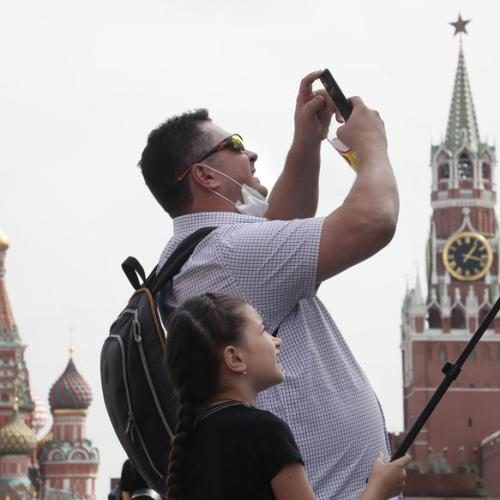 Russia's coronavirus cases surpass 980,000